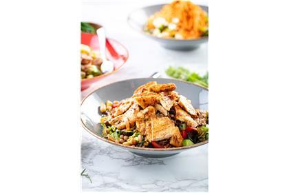 Tahıllı Izgara Tavuk Salata